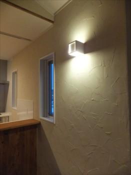 珪藻土塗り壁のコテむらの影が素晴しい